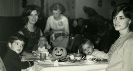 The youngsters - Halloween dinner