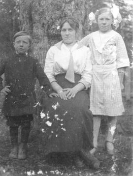 Bob, Mary, and Mildred Schoonover