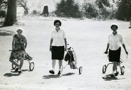 Alice Blonde, Carline Drenka and Dorothy Dawson golfing