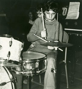 Giovanni with drums
