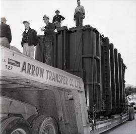 Arrow Transfer truck and men