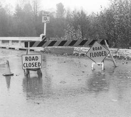 Old Mamquam Bridge, flood
