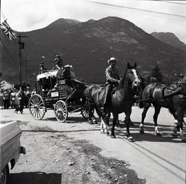 Horse and buggy [in parade?]