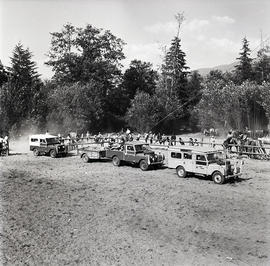 Vehicles at horse event