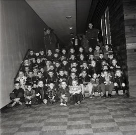 Large group of children [Cubs?]