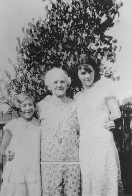 Dot Thorne, Grandma Thorne, Bonnie Thorne