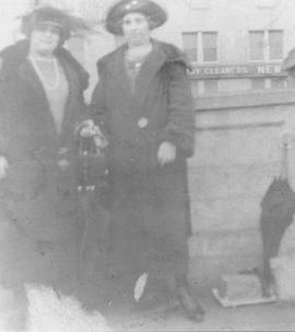 Agnes MacDonald with mother Rose McNeil