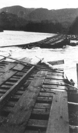 Mamquam River Bridge - 1941 flood