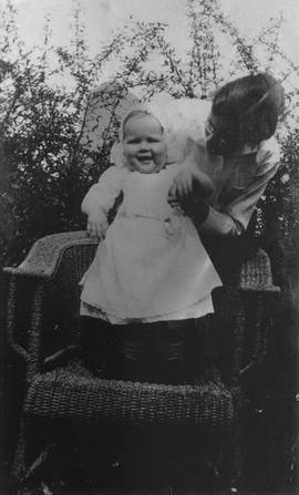 Agnes Rae with mother Doris Rae