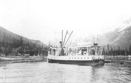 The Comox arriving at Squamish